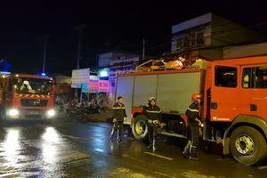TP.HCM: Cháy khu nhà trọ lúc rạng ráng, 1 người tử vong