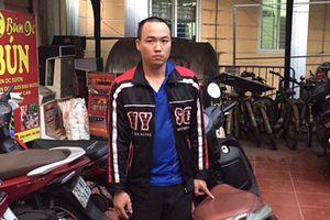Người dân phối hợp Công an phường truy bắt tên trộm xe máy