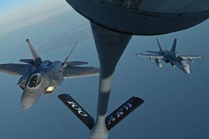 Mỹ bắt đầu tìm kiếm 2 chiếc máy bay gặp nạn gần Nhật Bản