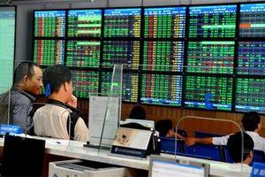 Thị trường chứng khoán cuối năm diễn biến khó lường