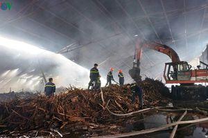 Nhà xưởng chứa 100 tấn viên nén sinh học bị bà hỏa thiêu rụi