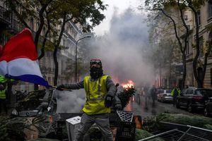 Pháp hủy bỏ tất cả chương trình tăng giá nhiên liệu trước biểu tình bạo lực