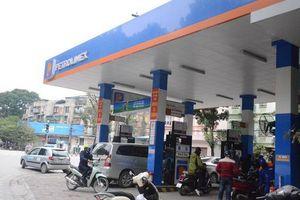 Giá xăng giảm gần 1.500 đồng/lít