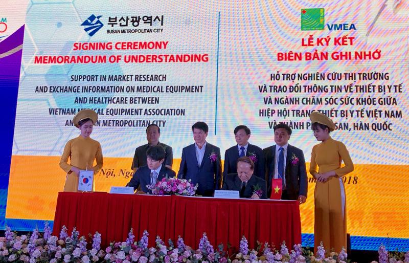 Khai mạc triển lãm quốc tế chuyên ngành Y dược lần thứ 25 tại Hà Nội