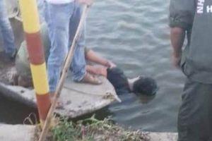 Hải Dương: Phát hiện nam thanh niên tử vong dưới sông