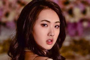 Ái nữ Huawei và vũ hội hoàng gia ra mắt giới thượng lưu