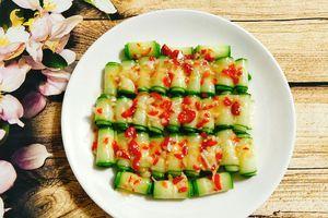 Tối nay ăn gì: Salad dưa chuột chua cay chống ngán hiệu quả
