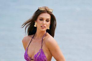 Người đẹp Hoa hậu Hoàn vũ diện bikini nóng bỏng trên đảo Thái Lan