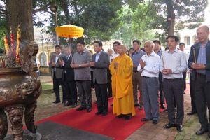 Dâng hương kỷ niệm 710 năm ngày Đức vua, Phật hoàng Trần Nhân Tông nhập niết bàn