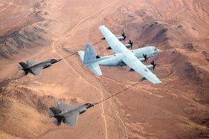 Thực trạng buồn phi đội tiếp dầu Mỹ khi đâm F/A 18