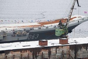 Nga đổ 70 triệu rúp sửa tàu Kuznetsov sau va chạm