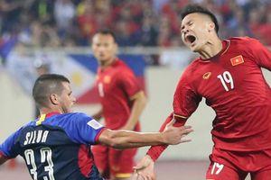 Khi Quang Hải là mục tiêu 'chặt chém' của cầu thủ Philippines