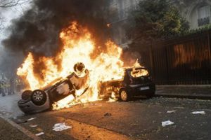 Bạo loạn ở Pháp: Nỗi sợ hãi bao trùm Paris trước ngày 'bão tố'
