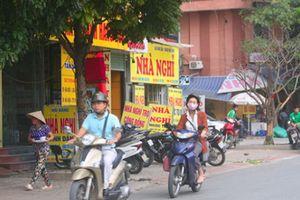 Việt Nam thắng Philippines 2-1: Nhà nghỉ, khách sạn 'cháy' phòng, ông chủ hốt bạc
