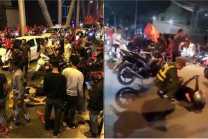 Dân mạng chia sẻ tai nạn vì 'đi bão' đội tuyển Việt Nam quá đà
