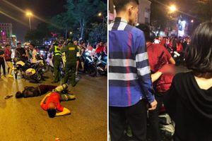 Phía sau chiến thắng tuyển Việt Nam: 'Sốc' với lột... quần áo, tai nạn giữa 'tâm bão'