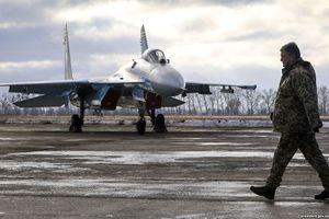 Máy bay Mỹ và đồng minh xuất hiện trên bầu trời Ukraine làm gì?