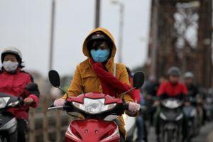 Miền Bắc đón không khí lạnh, người dân 'chống' lại thời tiết bằng cách nào?