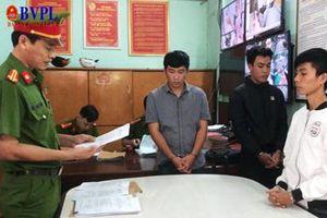 3 sinh viên và cú lừa ngoạn mục: gần 300 người sập bẫy