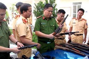 Để ngư dân tự nguyện giao nộp… súng