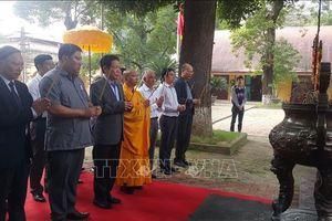 Dâng hương kỷ niệm 710 năm Ngày Đức vua - Phật hoàng Trần Nhân Tông nhập niết bàn