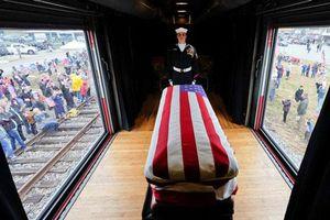 Chuyến tàu đặc biệt tiễn đưa cố Tổng thống Bush 'cha'