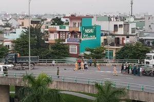 Tin tức tai nạn giao thông mới nhất hôm nay (7/12): Xe máy va chạm với xe tải trên cầu vượt, 1 người tử vong