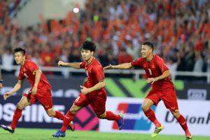 Việt Nam vào chung kết, CĐV Thái Lan 'thấy xấu hổ' vì đội nhà