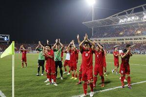Việt Nam vào Chung kết AFF: Phố phường ngập tràn niềm vui chiến thắng