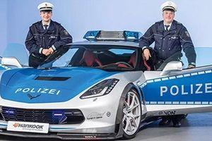 Phát thèm với dàn xe 'khủng' của cảnh sát Đức