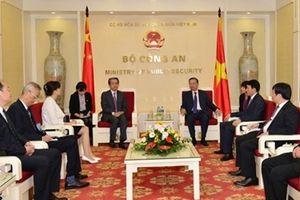 Việt Nam coi trọng việc phát triển quan hệ ổn định, lành mạnh và bền vững với Trung Quốc