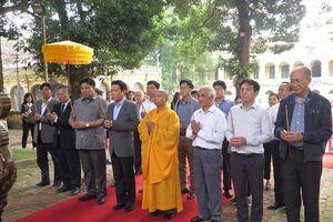Dâng hương kỷ niệm 710 năm ngày mất Phật hoàng Trần Nhân Tông tại Hoàng thành Thăng Long