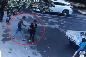Điều tra làm rõ nhóm đối tượng giật hồ sơ thầu ở cổng UBND huyện Thạch Thất