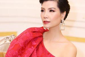 Siêu mẫu Hà Nội khuyên chồng đi lấy vợ khác làm điều bất ngờ sau 10 năm 'ở ẩn'
