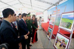 Khai mạc Ngày hội 'Thắm tình hữu nghị đặc biệt Việt Nam-Lào'