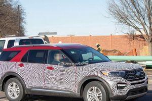 Ford Explorer 2020 lộ diện: Thay đổi nhẹ so với phiên bản cũ