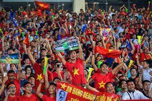Ăn mừng bàn thắng của Quang Hải, CĐV Việt Nam lập kỷ lục mới về... tiếng ồn
