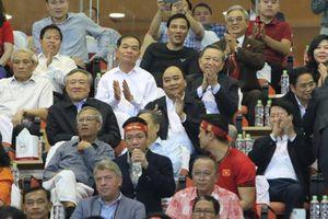 Thủ tướng động viên đội tuyển Việt Nam trước trận chung kết với Malaysia
