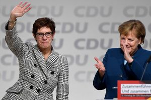 Bà Kramp-Karrenbauer kế nhiệm Thủ tướng Đức Angela Merkel