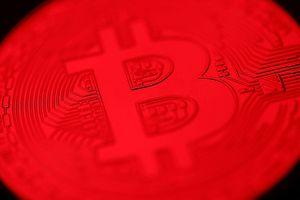 Tâm lý hoảng loạn, Bitcoin lại đổ đèo mất mốc hỗ trợ 3.500 USD