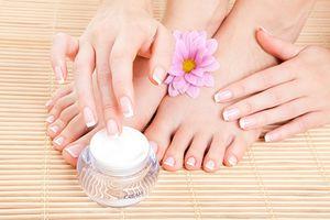 Những cách tự nhiên giúp khắc phục móng tay yếu, giòn