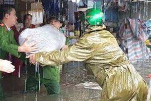 Nghệ An: Mưa lớn trên diện rộng, TP. Vinh bị ngập trong nhiều giờ