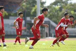 ĐT Việt Nam chăm chỉ 'luyện công' chờ tái đấu Malaysia bất chấp nắng nóng