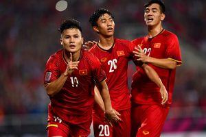 Cầu thủ Philippines ghen tỵ với khả năng hút fan của tuyển Việt Nam