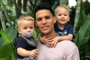 Mái ấm hạnh phúc bên vợ và hai con trai của thủ môn Philippines