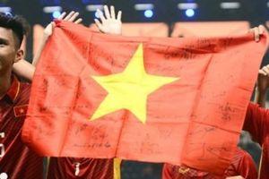 Bóng đá Thái Lan chiêu mộ cầu thủ Việt Nam: Coi chừng tiền 'đè'