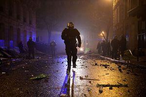 Khoảnh khắc đáng nhớ trong cuộc biểu tình tại Paris