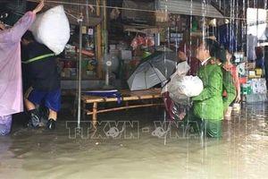 Ngập hàng trăm ngôi nhà ở Nghệ An