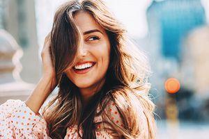 Làm theo cách đơn giản này, tóc sẽ bồng bềnh quyến rũ sau 1 đêm
