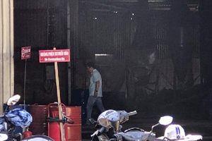 Cháy cơ sở xăng dầu kinh hoàng, 2 công nhân bỏng nặng